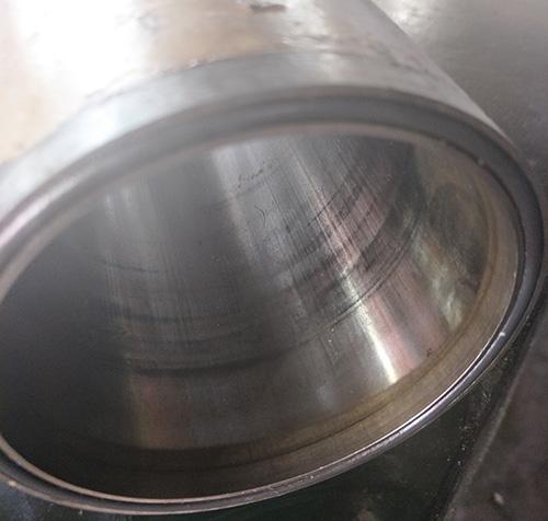 磨损的油动机缸筒