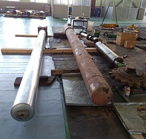 18米柱塞式油缸检修